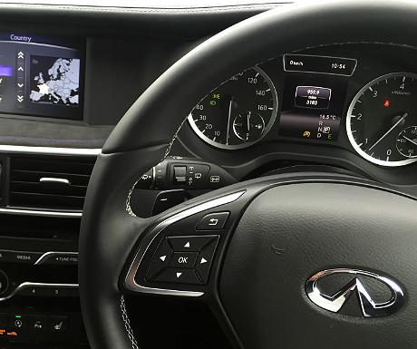 infiniti-q30-steering-wheel