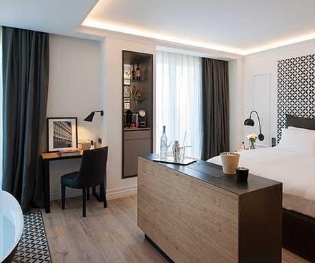 Junior-Suite-Sea-View-40x385