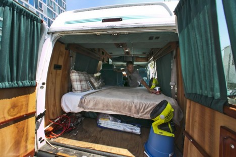 sketchy bed lorry bnb