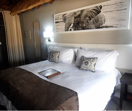 Comfortable en apartment bedroom during Monate Game Lodge