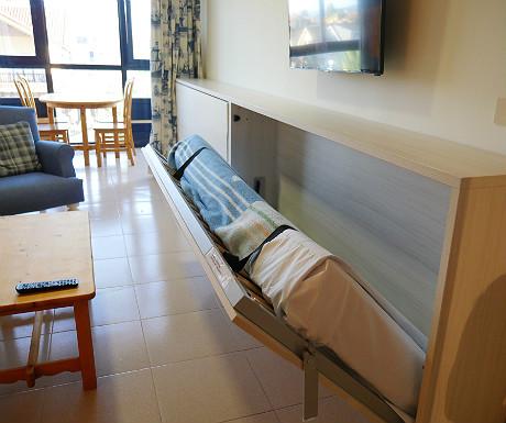 Hotel Juan de la Cosa folding bed