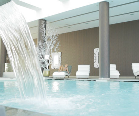 Diamond Delxue Hotel health bar indoor pool and Spa