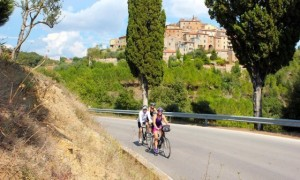Women-Only-Bicycle-Tour-Tuscany-560x336
