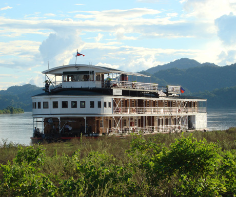Enjoy-a-luxury-cruise-on-the-Irrawaddy