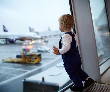 child-at-airport-window