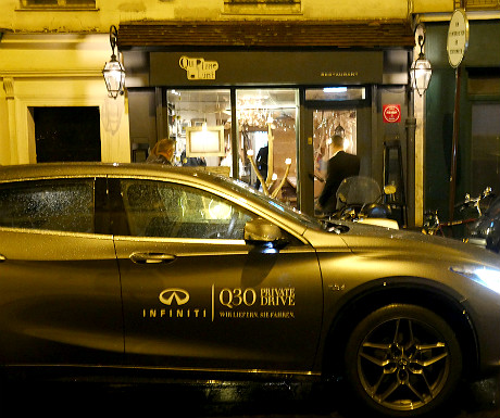 infiniti-q30-outside-the-restaurant