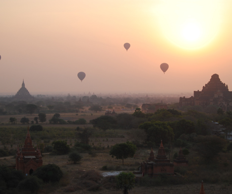 Hot-air-ballooning-over-Bagan
