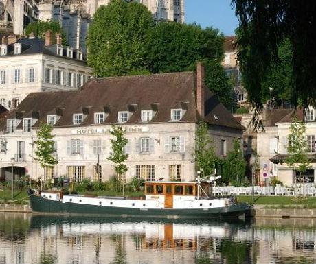 Auxerre oppulance boat cruise