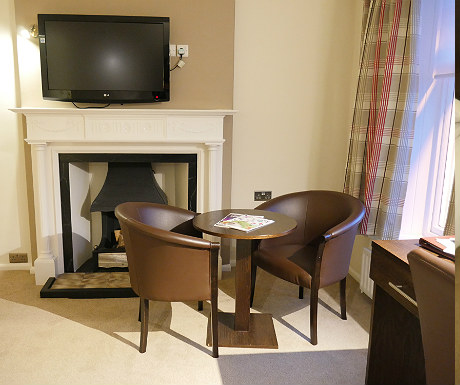 bw-beaumont-hotel-room-22-seating-area