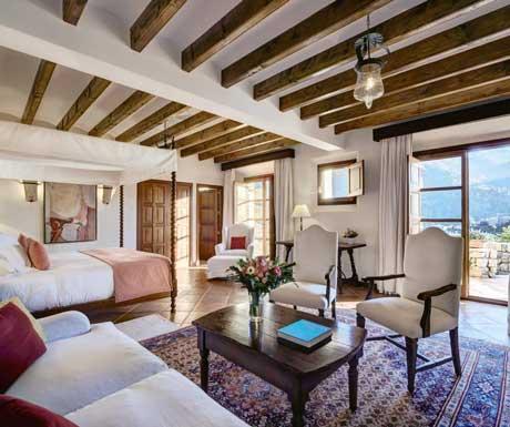 LaResidencia_460x385_room_junior_suite_executive01