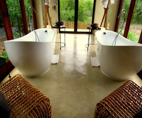 Bathtubs during Sabi Sabi Bush Lodge