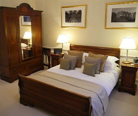 Bedroom during Goldsborough