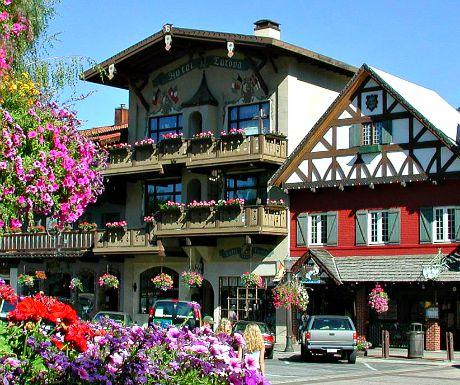 Leavenworth Front_Street_Flowers